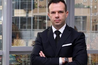 М р Лазе Камчев   Главен Извршен Директор на КД Фондови  Инвестициските фондови обезбедуваат сигурност  профитабилност и ликвидност