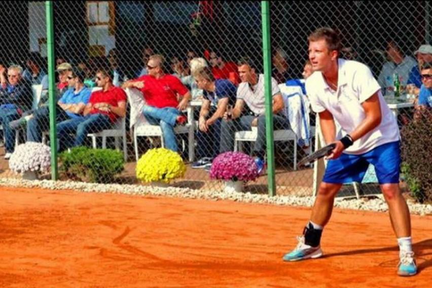 Јотовски скокна до полуфиналето во двојки во Анталија