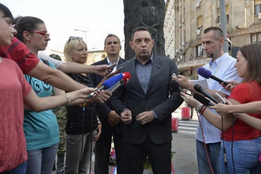 Вулин  Брисел мора да знае   голема Албанија  значи и голема војна