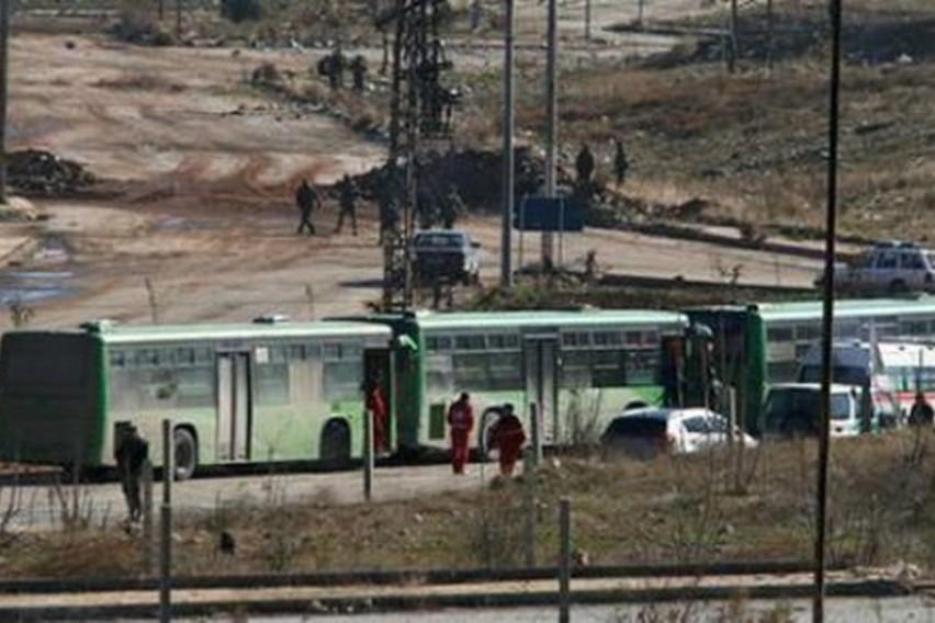 Продолжува евакуацијата од опколените населби кај Алепо