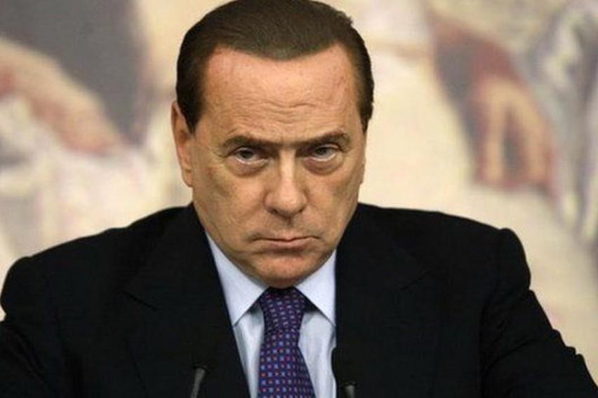 Берлускони   крал на гафовите  Макрон е згодно момче  но мајка му Брижит е уште позгодна