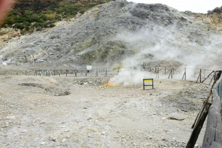 Италија  Родители и дете паднаа во вулкан во близина на Неапол