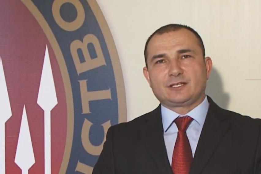 Стојанче Ангелов се повлекува од лидерската позиција во Достоинство