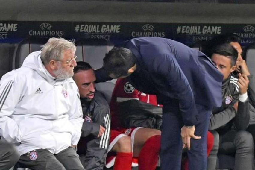 Рибери збесна откако беше повлечен од игра  па доби јасни опомени од Анчелоти и Салихамиџиќ