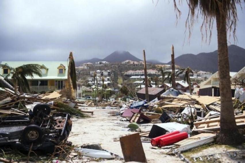 Пет лица починаа во дом за стари на Флорида по налетот на ураганот Ирма