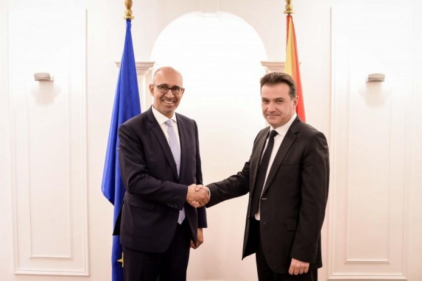 Поповски Дезир  Поздравени определбите за објективни и професионални медиуми во земјава