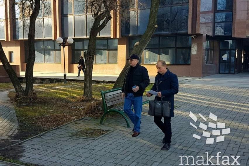 Латас и адвокатката не сакаат да бидат снимани во судницата