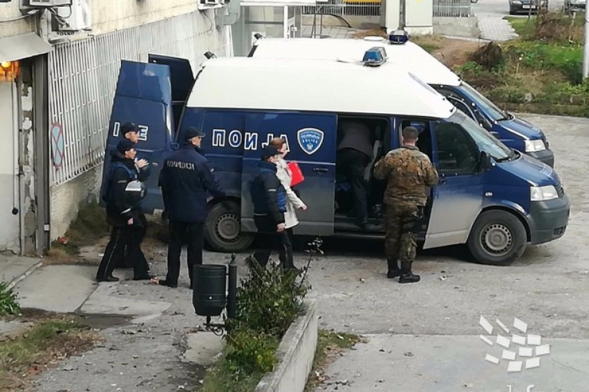Пешевска  Тарчуловски и Димовски во куќен притвор