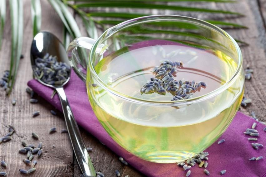 Најдоброто од природата  Билни чаеви кои ги смируваат нервите
