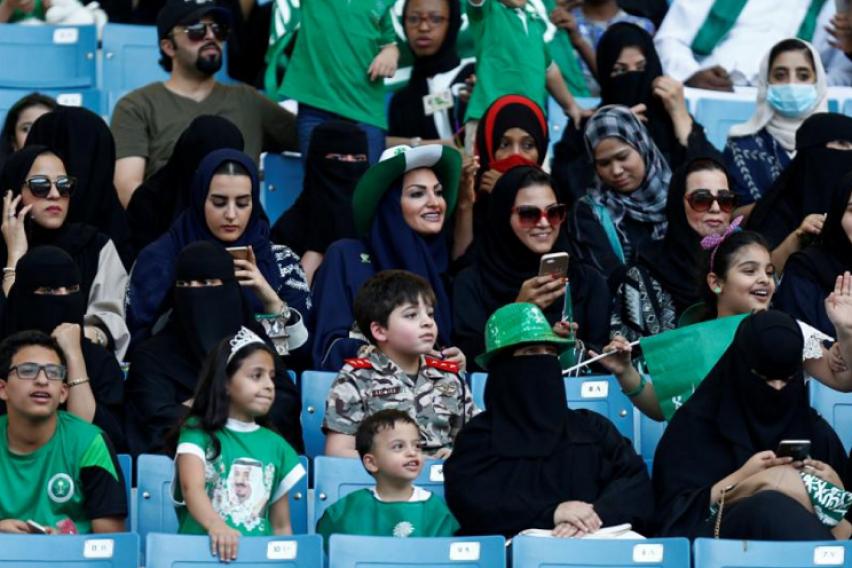 Добредојдовте во 21  век  На Саудијките за прв пат им е дозволено да присуствуваат на фудбалски натпревар