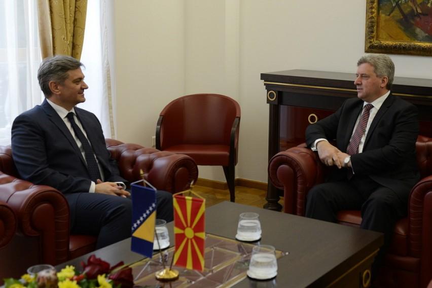 Средба Иванов Звиздиќ  Македонија и БиХ треба да го искористат вниманието што ЕУ го покажува за Балканот