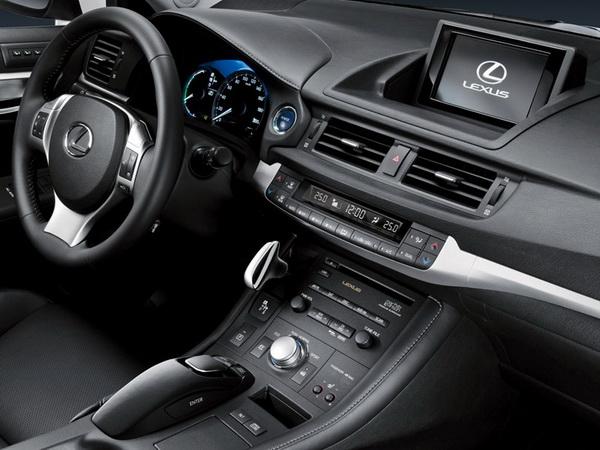 Премиум хибрид од компактната класа - Lexus CT 200h Lexus-CT_200h-(12)