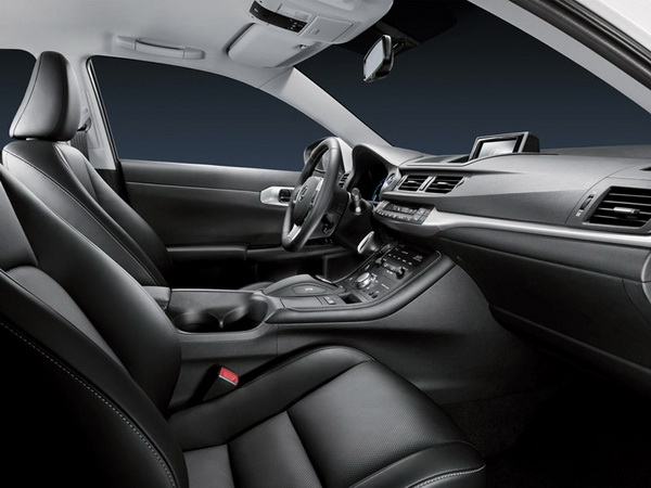 Премиум хибрид од компактната класа - Lexus CT 200h Lexus-CT_200h-(2)