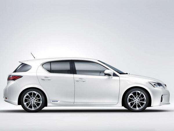 Премиум хибрид од компактната класа - Lexus CT 200h Lexus-CT_200h-(7)