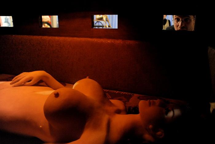В Санкт-Петербурге открылся музей эротики (18+) (10 фото + видео) .